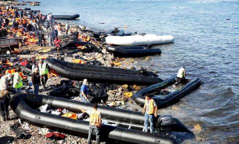 Μυτιλήνη: «Έχω δει βρέφη να προσπαθούν να ζήσουν φτύνοντας Αιγαίο Πέλαγος!» (pics)