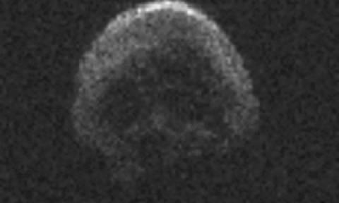 Απόκοσμο! Κομήτης-νεκροκεφαλή θα περάσει ξυστά από τη Γη ανήμερα του Χάλοουιν! (photo)