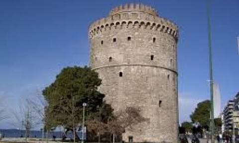 Η φωτογραφία που «σάρωσε» στο facebook: Μπέρδεψε τον Πύργο του ΟΤΕ με τον... Λευκό Πύργο!