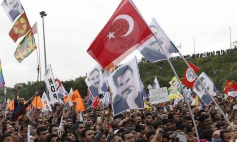 Τουρκία: Άνοιξαν οι κάλπες για τις κρίσιμες βουλευτικές εκλογές