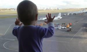 Συντριβή αεροσκάφους: Το 10 μηνών βρέφος που έγινε σύμβολο της αεροπορικής τραγωδίας
