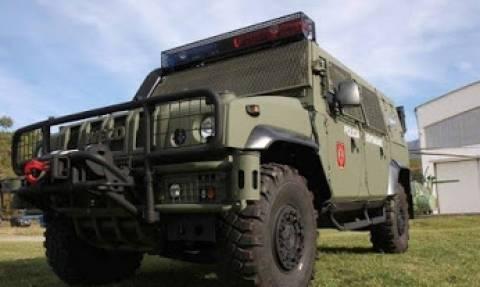 Η Αλβανία παρέλαβε νέα ελικόπτερα και τεθωρακισμένα οχήματα