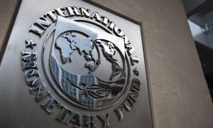 Δεσμεύσεις από την Ευρωζώνη για το ελληνικό χρέος ζητά το ΔΝΤ
