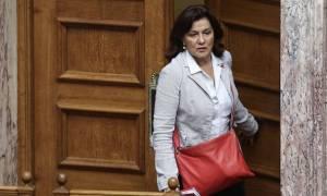 ΣΥΡΙΖΑ: Βολές κατά Φωτίου από 35 βουλευτές για τους άστεγους