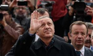 Ο «Σουλτάνος» Ερντογάν είναι και πάλι ο κυρίαρχος του παιχνιδιού στην Τουρκία (videos)