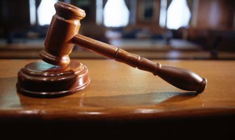 Η δίκη για το σκάνδαλο του αιώνα θα γίνει χωρίς πολιτικούς κατηγορούμενους!