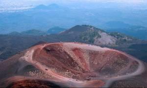 UFO πάνω από την Αίτνα – Δείτε τι κατέγραψαν οι κάμερες (video)