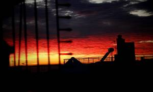 Το φλογερό ηλιοβασίλεμα που «έκλεψε» τις καρδιές των Αθηναίων (photos)