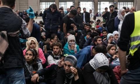 Παρουσία Τσίπρα η πρώτη αναχώρηση προσφύγων για μετεγκατάσταση στο Λουξεμβούργο