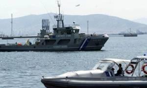 Πλοιάριο με μετανάστες βρίσκεται σε κίνδυνο ανοικτά του Πρωταρά