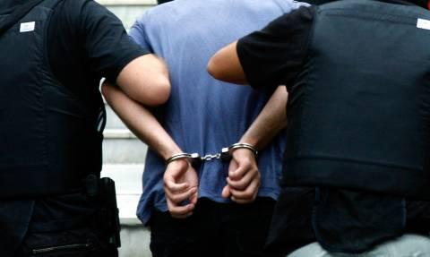 Συνελήφθη επιδειξίας έξω από σχολείο στην Παλλήνη