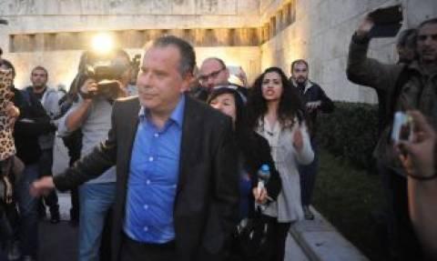 ΣΥΡΙΖΑ για επίθεση κατά του Γ. Κουμουτσάκου: Η ΝΔ παίζει επικίνδυνο ακροδεξιό παιχνίδι