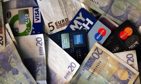 «Ανέπαφες» γίνονται όλες οι συναλλαγές με κάρτες