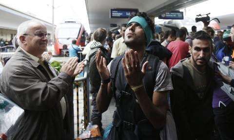 Μετανάστες και πρόσφυγες ανησυχούν τους Γερμανούς