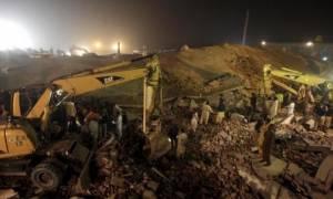 Πακιστάν: Στους 23 ο αριθμός των νεκρών από την κατάρρευση εργοστασίου