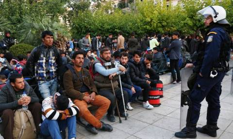 Αντιρατσιστική συγκέντρωση στην πλατεία Βικτωρίας