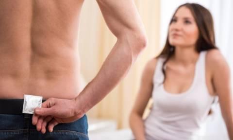 Σεξ με λάθος προφυλακτικό: Ποιες είναι οι δυσάρεστες επιπτώσεις