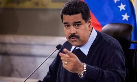 Βενεζουέλα: Ο Μαδούρο θα ξυρίσει το μουστάκι αν δεν χτίσει τα σπίτια που έχει υποσχεθεί