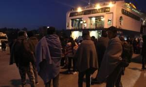 Πειραιάς: Περισσότεροι από 4.000 πρόσφυγες έφτασαν το πρωί στο λιμάνι