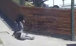 Γυναίκα ξυλοκοπήθηκε και κανείς δεν έδωσε σημασία (video)