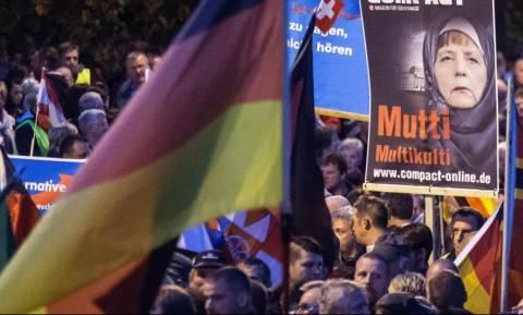 Μεγάλη ξενοφοβική διαδήλωση του AfD στο κέντρο του Βερολίνου
