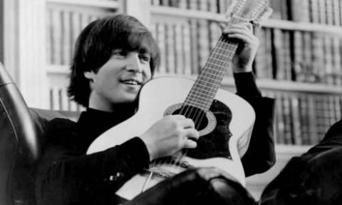 Kιθάρα του John Lennon πουλήθηκε 2,4 εκατομμύρια δολάρια