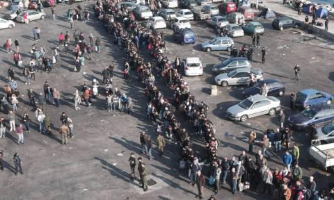 Άλλοι 5.600 πρόσφυγες και μετανάστες στον Πειραιά από Λέσβο και Χίο