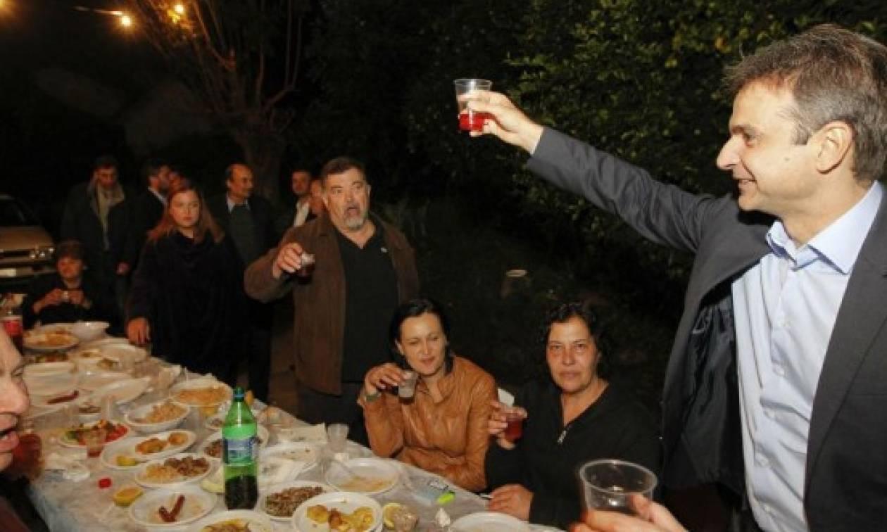 Ο Κυριάκος Μητσοτάκης σε... παραδοσιακό ρακοκάζανο στα Χανιά! (photos)