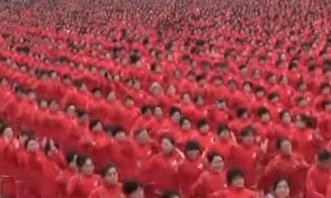Κίνα: 18.000 γυναίκες έσπασαν ρεκόρ Γκίνες (vid)