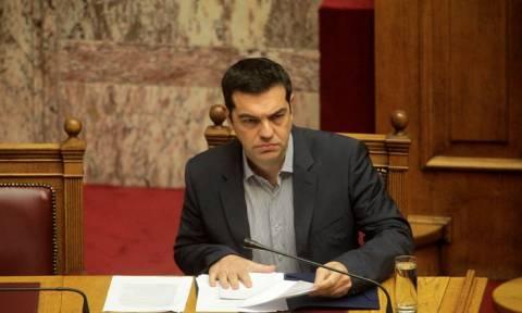 Tsipras calls Merkel, Hollande and Juncker over refugee crisis, Greek programme