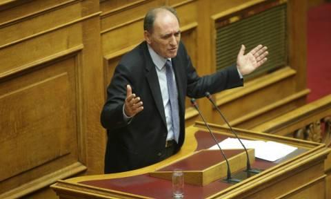 Σταθάκης: Πρέπει να ληφθεί πολιτική λύση για «κόκκινα» δάνεια και πλειστηριασμούς