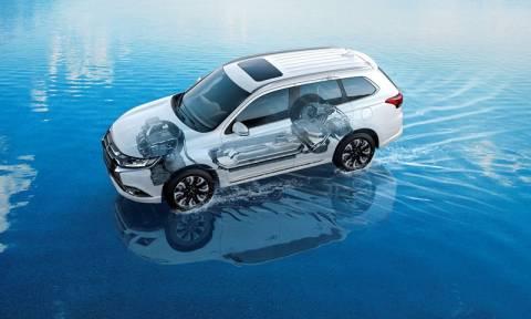 Mitsubishi : Το Outlander PHEV πρωταγωνιστής στην ΑΥΤΟΚΙΝΗΣΗ 2015