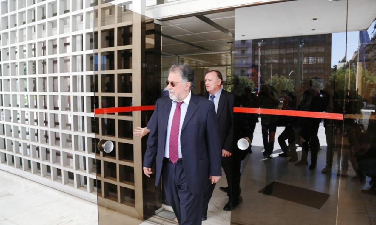 Αυτοί είναι οι διάλογοι βουλευτή του ΣΥΡΙΖΑ με τους «Πυρήνες»