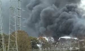 Ολλανδία: Μαύρος καπνός «παρέλυσε» τη νοτιοανατολική Ολλανδία (videos)