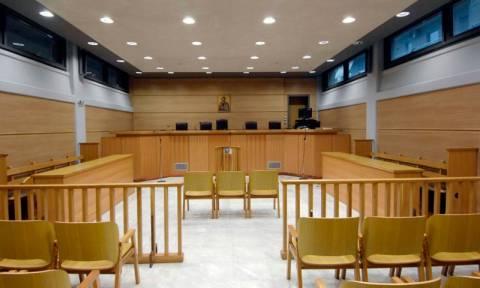 Προσφυγές δικηγόρων και γιατρών κατά του νόμου για τους νέους ασφαλισμένους του ΕΤΑ