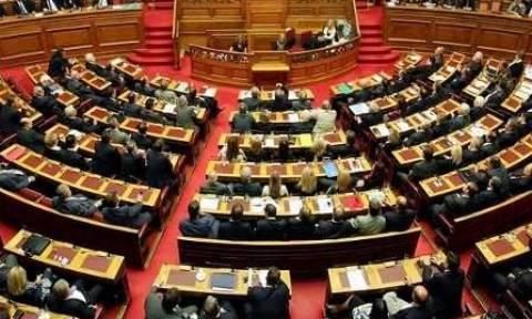 Έρευνα: Οι Έλληνες πολιτικοί νίπτουν τας χείρας τους για την κατάσταση στην Ελλάδα - Φταίνε οι…άλλοι