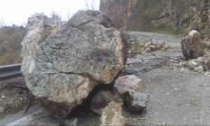 Λεωνίδιο Κυνουρίας: Κίνδυνος από βράχο που αποκολλήθηκε