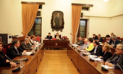 Άναψαν τα αίματα στην Επιτροπή Θεσμών και Διαφάνειας: «Ξέφυγαν» Βενιζέλος – Τόσκας για Σταυρόπουλο