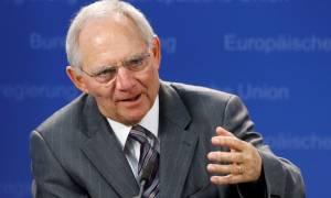 Νέα προειδοποίηση Σόιμπλε: Βλέπει κινδύνους από τη χαλαρή νομισματική πολιτική