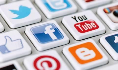 ΕΛΣΤΑΤ: Ποιοι σερφάρουν και ποιοι όχι και γιατί στο διαδίκτυο