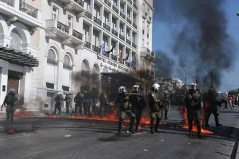 «Πεδίο μάχης» για μια ακόμη φορά το κέντρο της Αθήνας (photos-video)