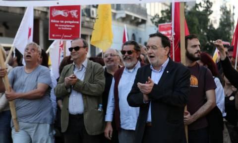 Αγκαζέ στην πορεία Λαφαζάνης, Στρατούλης, Μακρή και Κωνσταντοπούλου (photo)