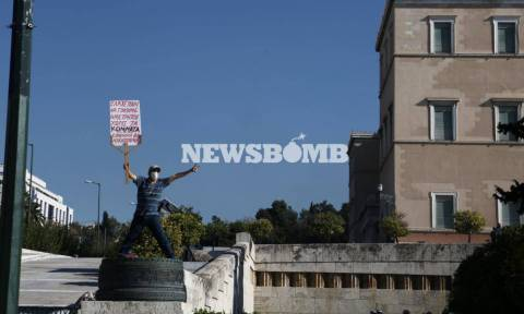 Τι γράφουν τα διεθνή ΜΜΕ για τα επεισόδια στην πρώτη διαδήλωση επί ΣΥΡΙΖΑ