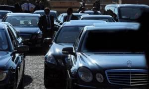 Φέσωναν το δημόσιο κάνοντας βόλτες με κρατικά πολυτελή αμάξια