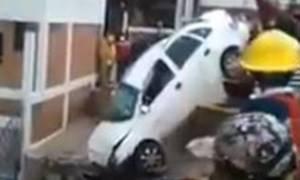 Πόσο στραβά μπορεί να πάει μια διάσωση… αυτοκινήτου; Πολύ! (video)