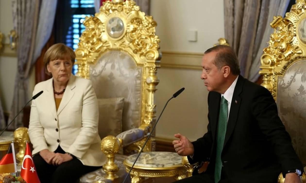 Ο Ερντογάν κυρίαρχος του παιχνιδιού στο μεταναστευτικό