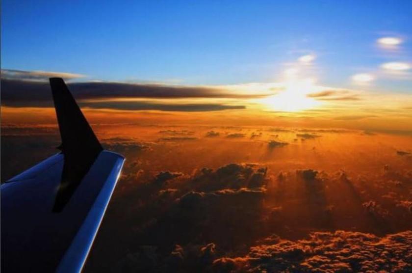 Φωτογραφία του L. Hamilton στο Instagram από το αεροπλάνο στο ταξίδι για Βραζιλία