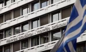 ΥΠΟΙΚ: H οικονομία άντεξε τα capital controls