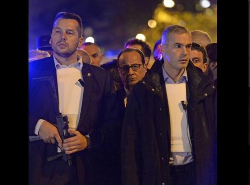 Επίθεση Παρίσι: Έτσι φυγάδευσαν τον Ολάντ (pic+vid)