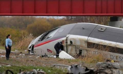 Νέα τραγωδία στη Γαλλία: Δέκα νεκροί σε εκτροχιασμό τραίνου (video)
